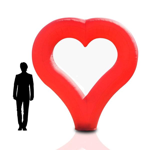 HEART - riesige Leuchtskulptur mit Herz